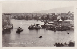 Bouches Du Rhone : MARSEILLE : Entrée Du Vieux Port - Avec épave De Bateau  ( C.p.s.m. Phot. Vérit. ) - Old Port, Saint Victor, Le Panier
