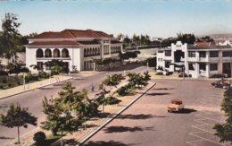 ANGOLA  - LOBITO --- SQUARE SALAZAR - PRACA SALAZAR --- Bar - Old Car - édit. Edicao Da Livraria Magalhaes - Lobito - Angola