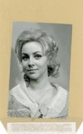 La Comédienne MARTINE SARCEY  La Porteuse De Pain - Personnes Identifiées