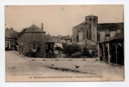 - CPA SECONDIGNY-EN-GATINE (79) - Place Du Champ-de-Foire 1924 - Cliché CORDIER 145 - - Secondigny