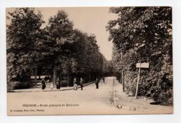 - CPA PÉRONNE (80) - Entrée Principale Du Quinconce (avec Personnages) - Photo-Edition E. Souillard - - Peronne