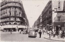 Bouches Du Rhone : MARSEILLE : Rue De La République - Animation Avec Automobile Citroen Traction - C.p.s.m. Photo Vérit. - Other