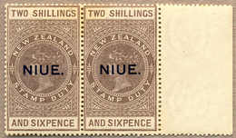 **/pair 1918-29, 2 S. 6 D., Grey-brown,pair With Right Margin, NIUE Opt (T10), Fresh, MNH, VF-XF!. Estimate 105€. - Neuseeland