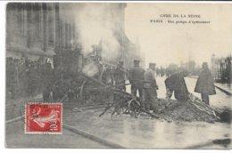 CPA PARIS  Crue De La Seine Une Pompe D'épuisement     édit ELD - Inondations De 1910
