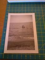 149783  VECCHIA FOTOGRAFIA Vita Da Spiaggia In Spiaggia Coppia - Barche