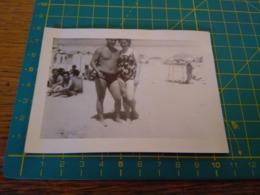 149787  VECCHIA FOTOGRAFIA Vita Da Spiaggia In Spiaggia Coppia - Barche