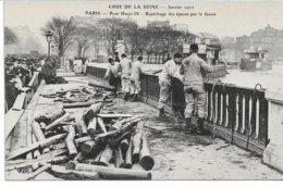 CPA PARIS  Crue De La Seine Pont Henri IV Repêchage Des épaves Par Le Génie  Janvier 1910   édit ELD - Inondations De 1910