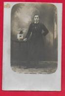 FOTOGRAFIA ITALIA - Donna Da Identificare Famiglia Provincia MIlanese - Probabile Fine 1800 - Studio FERRARI LEGNANO - Photographs