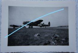Photo AVRO 683 LANCASTER British Bomber WW2 Aviation Avion Bombardier 1945 Plane Militaria - Guerre, Militaire