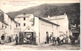 FR66 LATOUR DE CAROL - Labouche 340 - Bureaux Des Douanes - Attelage De Boeufs - Animée - Belle - France