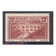 TIMBRE N°262A PONT DU GARD  NEUF* *  Côte 575 Euros - Francia