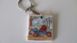 Porte Clé Ancien  Laiterie  Coopérative De Néré 17 Renault 1911 En Céramique - Key-rings