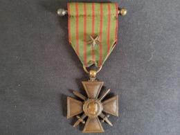 MEDAILLE MILITAIRE : CROIX DE GUERRE 1914 - 1917 Une étoile Sur Ruban - Francia