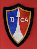 INSIGNE BRODE 2e CORPS D ARMEE FORCES FRANCAISES EN ALLEMAGNE BADEN BADEN TREVES FRIBOURG LANDAU - Patches