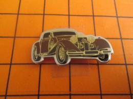 419 Pin's Pins / Beau Et Rare / Thème AUTOMOBILES / VOITURE BRUN-ROUGE ANNEES 30 - Pins