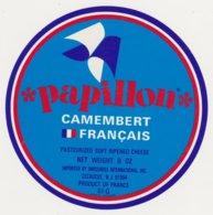 F/ETIQUETTE DE CAMEMBERT BUQUET CHAMBOIS 61 Q PAPILLON - Quesos