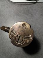 Bouton Allumeur Mine Antichar Allemand WW2 T.MI.Z.35 - Armas De Colección