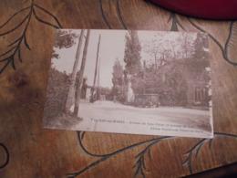 Villiers Sur Marne Avenue Du Gros Chene Et Avenue Du Lac  Voiture Ancienne - Villiers Sur Marne