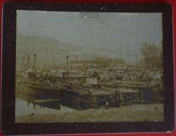 RIVER HARBOUR WITH STEAMERS ( RIVER DANUBIO ??? ) , OLD PHOTO CDV - Passagiersschepen