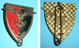 Rare Insigne Médaille écusson émaillé Forces Françaises En Allemagne FFA, épée & Ancres Ailées, Drago G803 - Francia