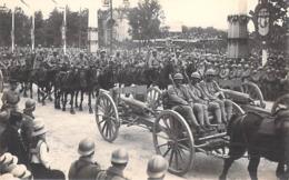 Militaria > Guerre 1914-18 Les Fêtes De La Victoire 14 Juillet 1919 Les Artilleurs (soldats Chevaux Uniformes  ( LL 17) - Guerre 1914-18