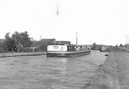 18-358 - Cliché Positif - CHER - LERE - Le Pont Sur Le Canal Latéral à La Loire - Lere