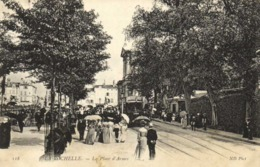 LA ROCHELLE  La Place D'Armes Belle Animation Tram RV - La Rochelle
