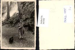 367392,Mini Fotokarte Frau M. Hund Spitz Wasserfall - Hunde