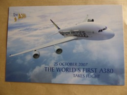 SINGAPORE AIRLINES  AIRBUS A 380    AIRLINE ISSUE / CARTE COMPAGNIE - 1946-....: Era Moderna