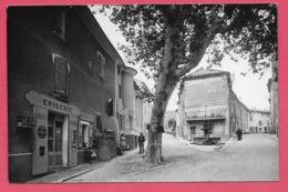 04 QUINSON Place De La Paix - Epicerie ROUX Coiffeur Env De Valensole Forcalquier Gréoux Manosque - France
