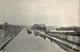 SAINT QUENTIN - Le Canal Et Les écluse, Système De Traction Des Péniches. - Arken