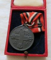 Germany Medal Of The Red Cross 2nd Class In Box. - Germania