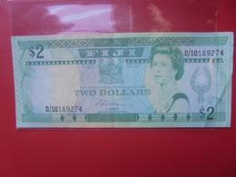 FIJI 2$ 1988 CIRCULER (B.9) - Fidji