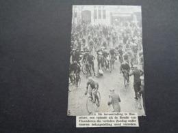 "Origineel Knipsel ( 2822 ) Uit Tijdschrift "" Ons Volk ""  1935  :  Roulers  Roeselare   Koers  Renner  Coureur - Documentos Antiguos"