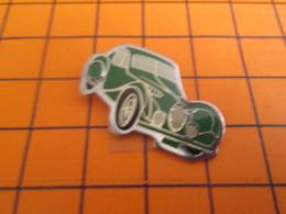 511d Pin's Pins / Beau Et Rare / Thème AUTOMOBILES / VOITURE VERTE ANNES 30/40 A IDENTIFIER - Pins