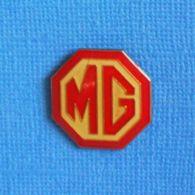 1 PIN'S //  ** LOGO MG / CONSTRUCTEUR ANGLAIS / MG / HOMMAGE A MORRIS GARAGES OXFORD ** - Pins