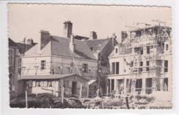 89 CHABLIS La Chablisienne , Maison En Rénovation Avec échaffaudage ,maçon ,couvreur - Chablis
