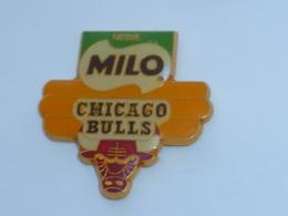 Pin's BASKETBALL, CHICAGO BULLS, SPONSOR MILO - Basketbal