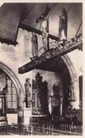 29 LAMPAUL-GUIMILIAU La Grande Poutre Sculptée XVIIe Siècle, Crucifix Entre Statues De La Vierge Et De Saint-Jean - Lampaul-Guimiliau