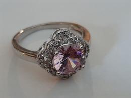 Wit Goudkleurige Ring Met Roze Saffier (Nieuw) - Joyas & Relojería
