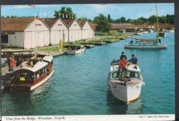 Norfolk Postcard - View From The Bridge, Wroxham DC2438 - Angleterre