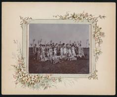 1901 Balatonszemesi úri Társaság Fotója, Szecessziós Litho Kartonon, Jó állapotban, Hátoldalon Feliratozva, 9×11,5 Cm - Altre Collezioni