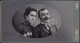 1903 Pár Műtermi Portréja, Keményhátú Fotó Pete Gyula Székesfehérvári Műterméből, 11×20,5 Cm - Altre Collezioni