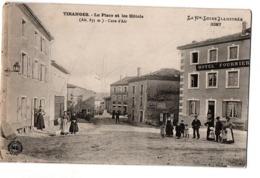 TIRANGES LA PLACE ET LES HOTELS TRES ANIMEE - Frankreich