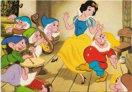 Walt Disney  *   Blanche-Neige Et Les 7 Nains  - Sneeuwwitje -  Snow-white &  7 Dwarfs   (CPM ) - Disney