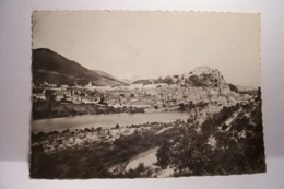 SISTERON   - Vue Panoramique     - ( Pas De Reflet Sur L'original ) - Sisteron