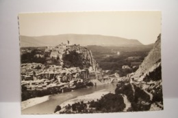 SISTERON   - Le  Citadelle  Et La Durance       - ( Pas De Reflet Sur L'original ) - Sisteron