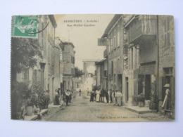 CPA Serrières. Ardèche. Rue Michel Gauthier. Animation... - Serrières