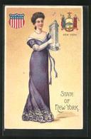 Präge-AK New York, NY, Frau Mit Gebäude Im Arm Und Wappen Der Stadt - NY - New York