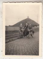 Waterloo - La Butte - Cyclistes - Photo 6.5 X 9 Cm - Lieux